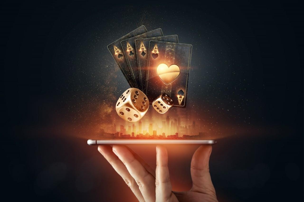 online-gambling-mobile-2-min